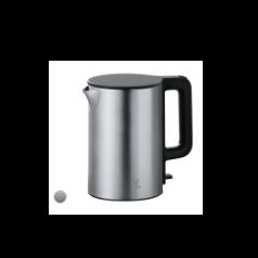 Srebrny czajnik elektryczny viomi na białym tle